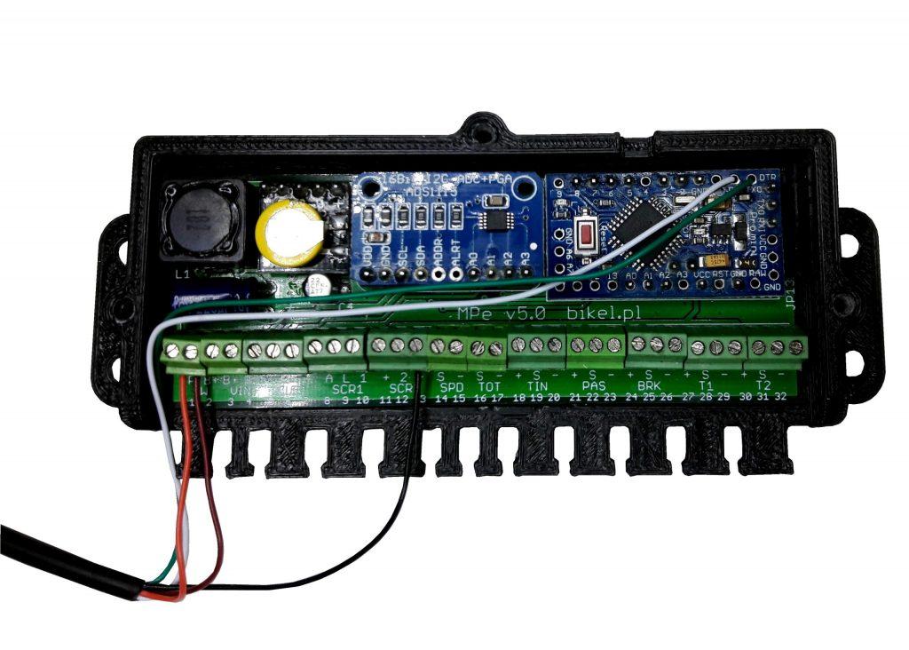 Podłączenie wyświetlacza MaxiColor 850C do płyty głównej MPeV5 (67V, czyli 16S)